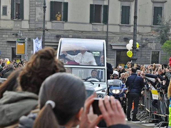 Francis Condemns Magnum Principium, Begins Saying Latin Mass After Hitting Head During Popemobile Accident | EOTT LLC